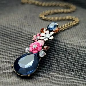 Jewelry - ▪︎ Floral Teardrop Pendant Necklace▪︎